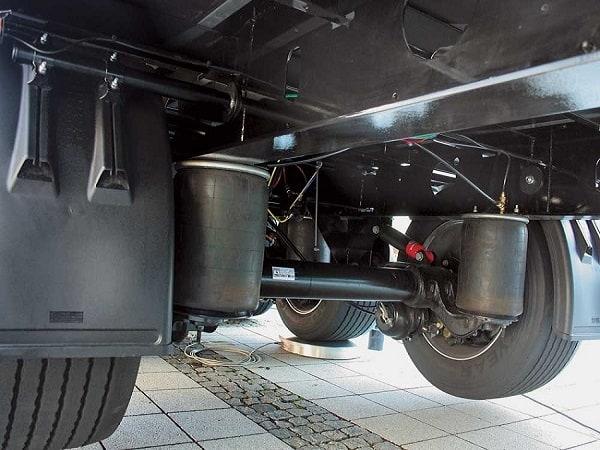 Ремонт грузовой автомобиль